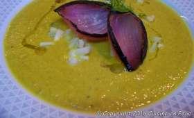 Velouté carotte, poireau, christophine, lentilles corail et curcuma