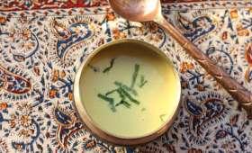Soupe de lait d'amandes et de cajou à l'indienne