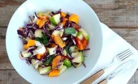 Salade d'hiver à l'orange sanguine, pomme, chou rouge, mimolette et endives