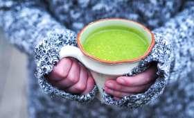 Soupe de cresson à la courgette et au curcuma