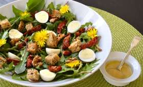Salade de pissenlits aux oeufs de caille