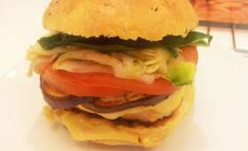 Hamburgers légers au poulet, courgettes marinées et aubergines grillées