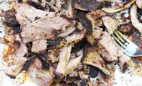 Ribs d'agneau fumés au barbecue à l'américaine