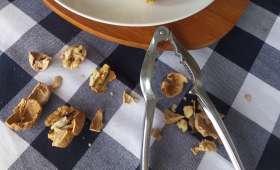 Scones au gorgonzola, noix et romarin