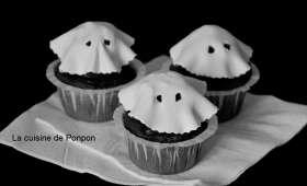 Cupcake noir et fantôme blanc