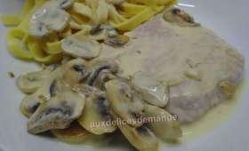 Escalopes de veau aux champignons et crème épaisse