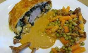 Filet mignon en croûte aux épinards, chèvre frais et paprika