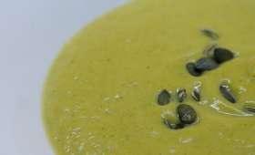 Soupe de chou-fleur et de brocoli au curry