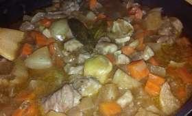 Sauté de porc, légumes d'hiver et sauce au vin blanc