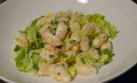 Poke bowl aux crevettes, à l'aïl et au wasabi