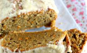 Cake aux carottes, glaçage au noix de coco
