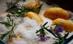 Pommes de terre nouvelles au gros sel et romarin