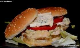 Burgers au Bresse Bleu et à l'oignon fumé.