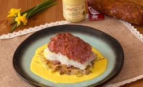 Dos de cabillaud en écailles de saucisse de Morteau, embeurrée de chou, sauce au curcuma