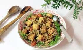 Salade crousti-gourmande à l'halloumi pané