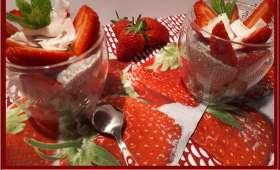 Chia pudding coco-menthe et fraises
