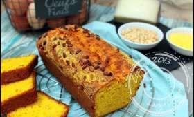 Cake au maïs, parmesan et pignons de pin