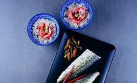 Maquereaux pochés au yuzu, pickles de radis au mirin, chips de shiitakes