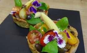 Tartelette sablée à l'origan, fond de tapenade, ratatouille et petites crudités de printemps,mini maïs,origan,pâte sablée