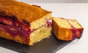 Gâteau du matin coco et coulis de framboise