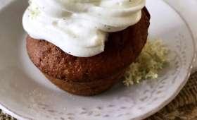 Cupcakes aux fleurs de sureau et au fudge caramel
