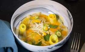 Ravioles de crevettes et jus de carotte au gingembre