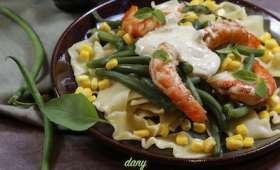 Salade de pâtes aux haricots verts et aux gambas sauce fromage au pesto