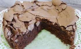 Gâteau meringué au chocolat et sa crème anglaise