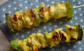 Brochettes de poulet au curry et au romarin