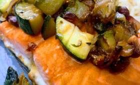 Saumon mi-cuit et sa poêlée de courgettes à la grenade