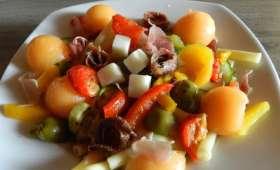 Salade de pâtes aux légumes du sud-anchois-fromage de chèvre et melon