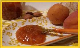 Confiture d'abricots vanille et amande