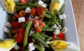 Salade d'haricots verts, tomates, œufs et feta