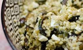 Salade de boulghour à l'aubergine, aux courgettes et à la feta