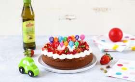 Gâteau d'anniversaire au yaourt, fraises et huile d'olive