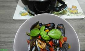 Moules sauce provençale piquante au basilic