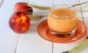 Gaspacho melon nectarines et une touche de balsamique
