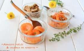 Abricots poêlés & crumble de noisette