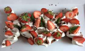 Gâteau sablé chocolat chantilly vanille fraises - NathyChef