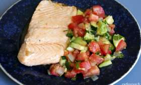 Saumon salade tomate courgette avocat