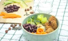 Buddha bowl de légumes, graines et nuggets maison
