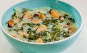 Soupe de moules aux épinards