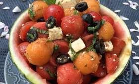 Recette de salade de pastèque melon feta olive tomates cerise et basilic