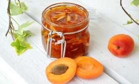 Confiture d'abricots vanillée aux amandes