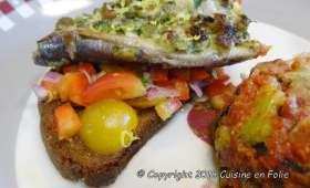 Sardine farcies mozzarella et Parmesan sur toasts, petite salade fraîcheur au Xérès