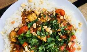 Curry doux de poulet au beurre de cacahuètes