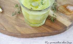 Gaspacho de courgettes à l'amande et au thym