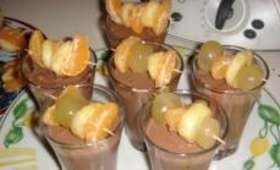 Velouté de Chocolat et Brochettes de Fruits Flambés