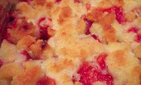 Crumble à la rhubarbe et aux fraises