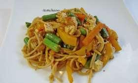 Nouilles sautées aux légumes et tofu